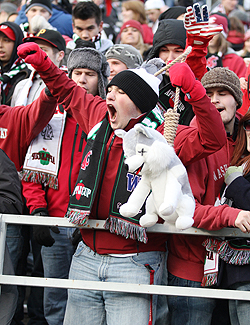 "Cougar Fans - Fan Shots / ""Faces from the Crowd"" Quick Link"